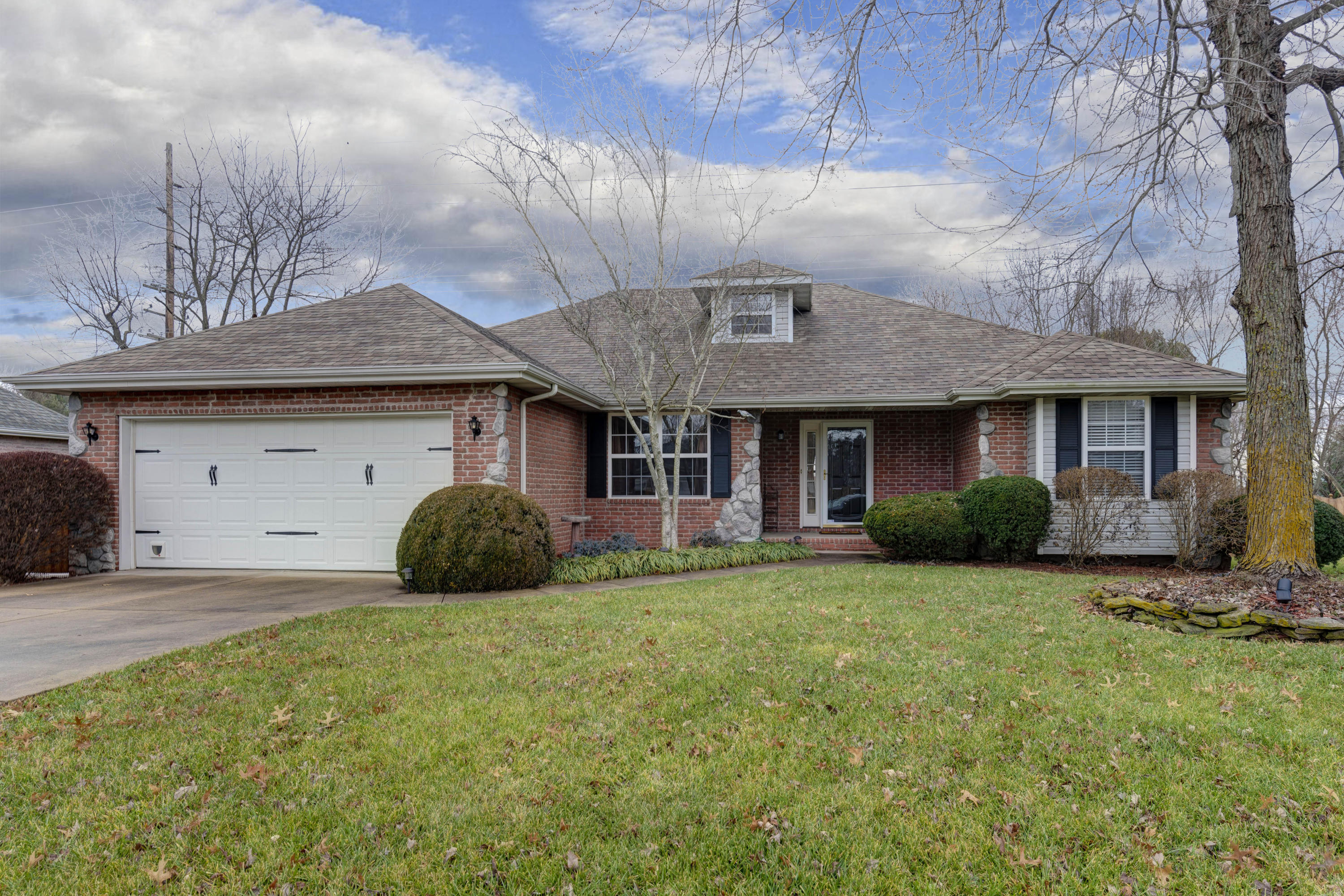 4964 South Forest Avenue Springfield, MO 65810