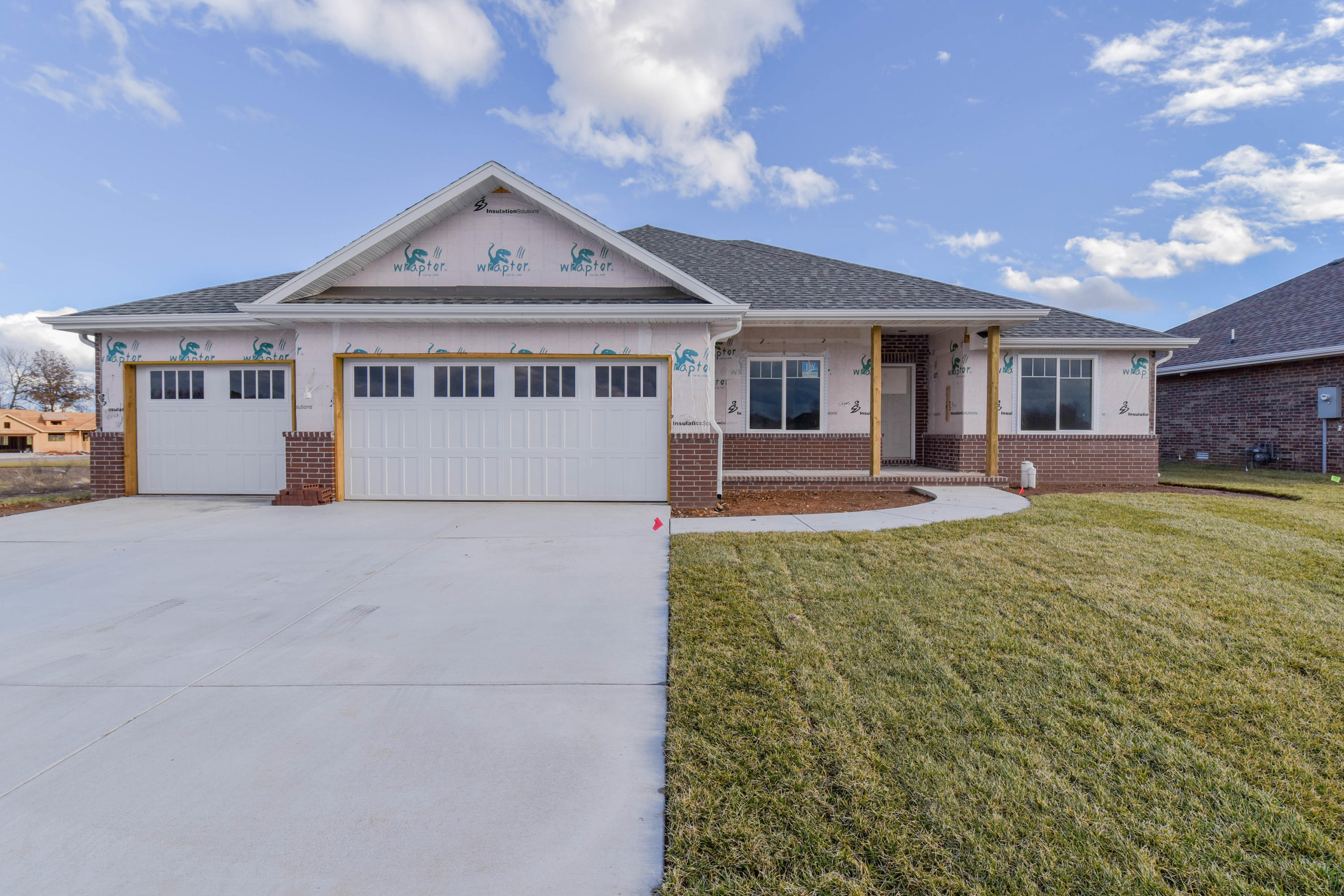 716 North Foxhill Circle Nixa, MO 65714