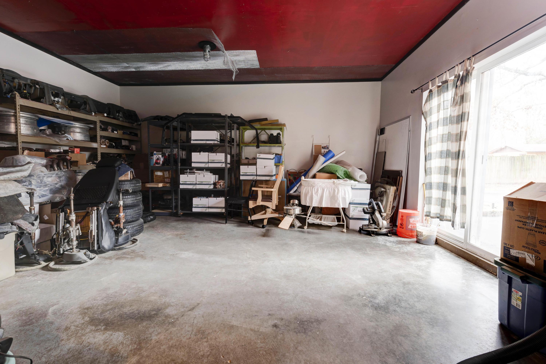 3667 South Farm Rd 223 Rogersville, MO 65742