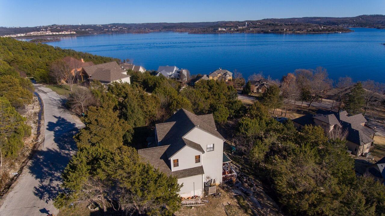 118 Bluff Cove Blue Eye, MO 65611