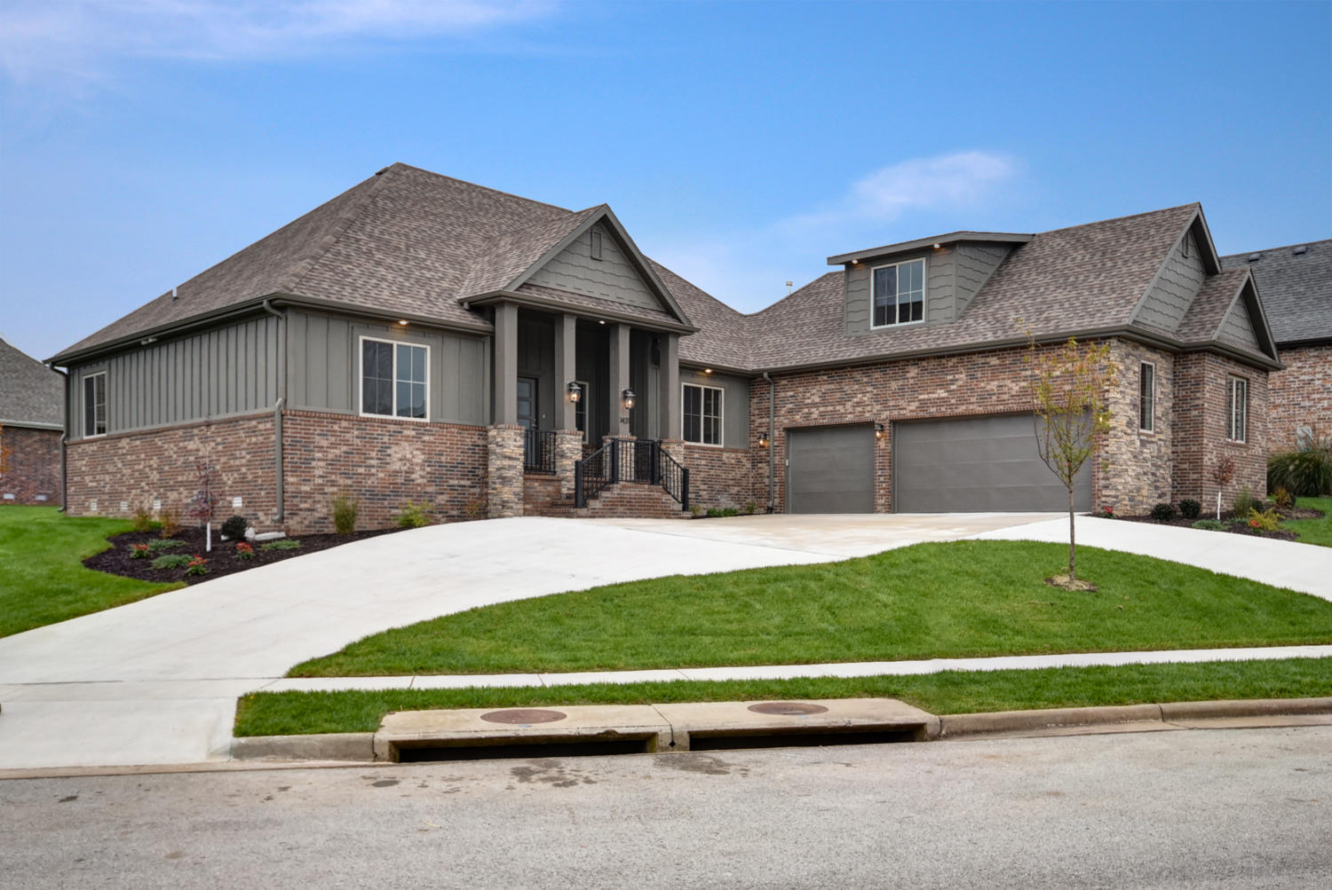 1431 North Rich Hill Circle Nixa, MO 65714
