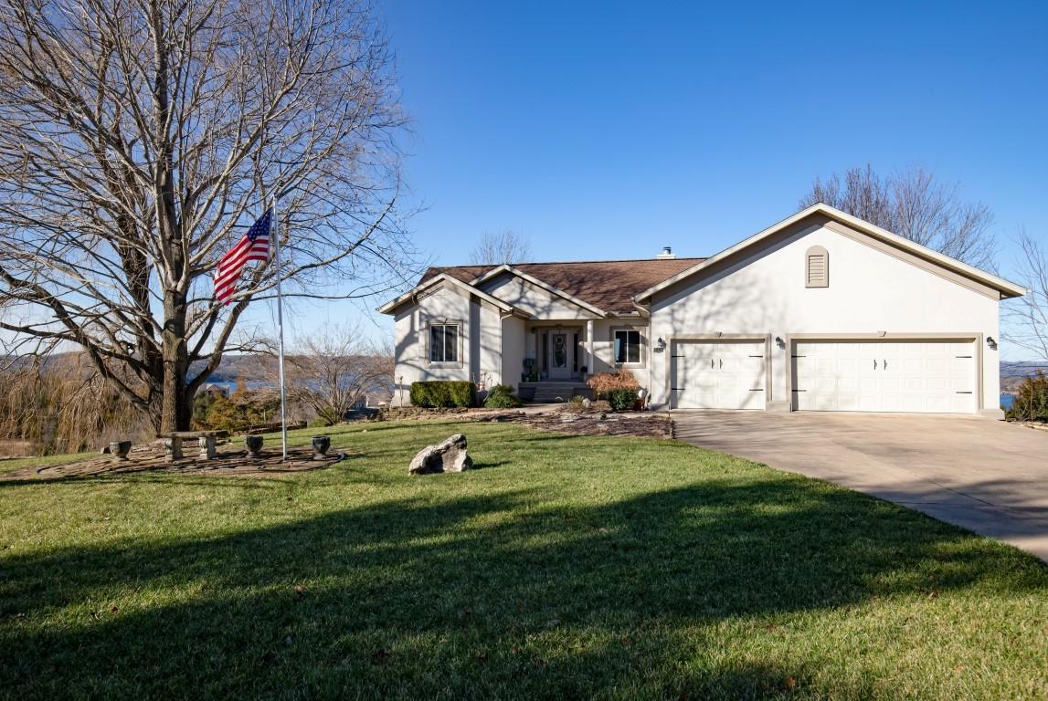 111 Split Rock Dr. Hollister, MO 65672