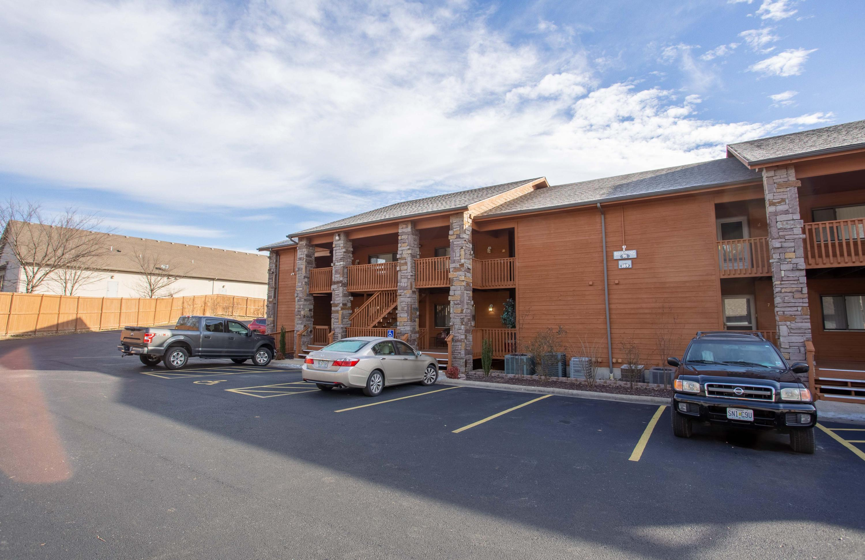 189 Avondale Drive #6 Branson, MO 65616
