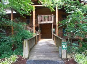 24 Village Trail 18-1 Branson, MO 65616
