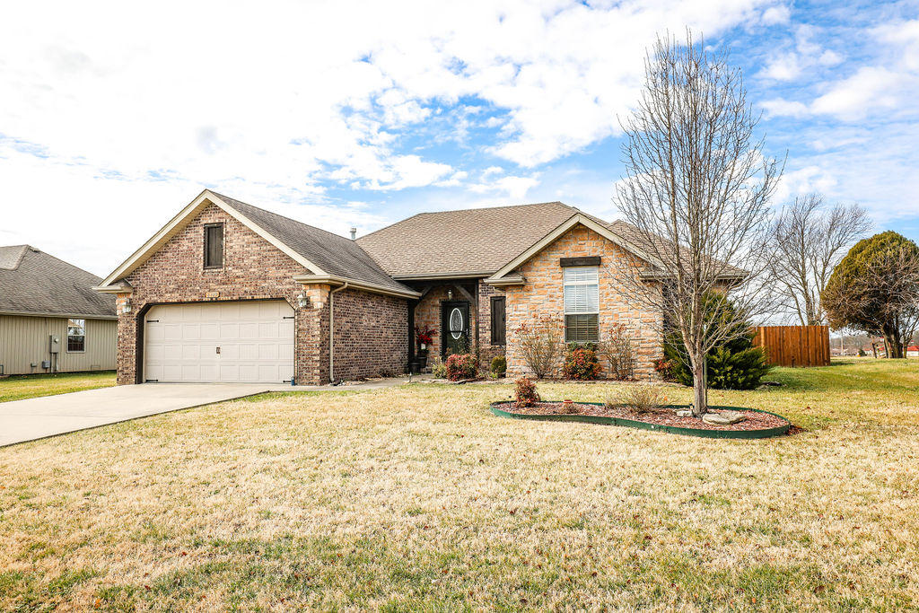 6109 North 19TH Avenue Ozark, MO 65721