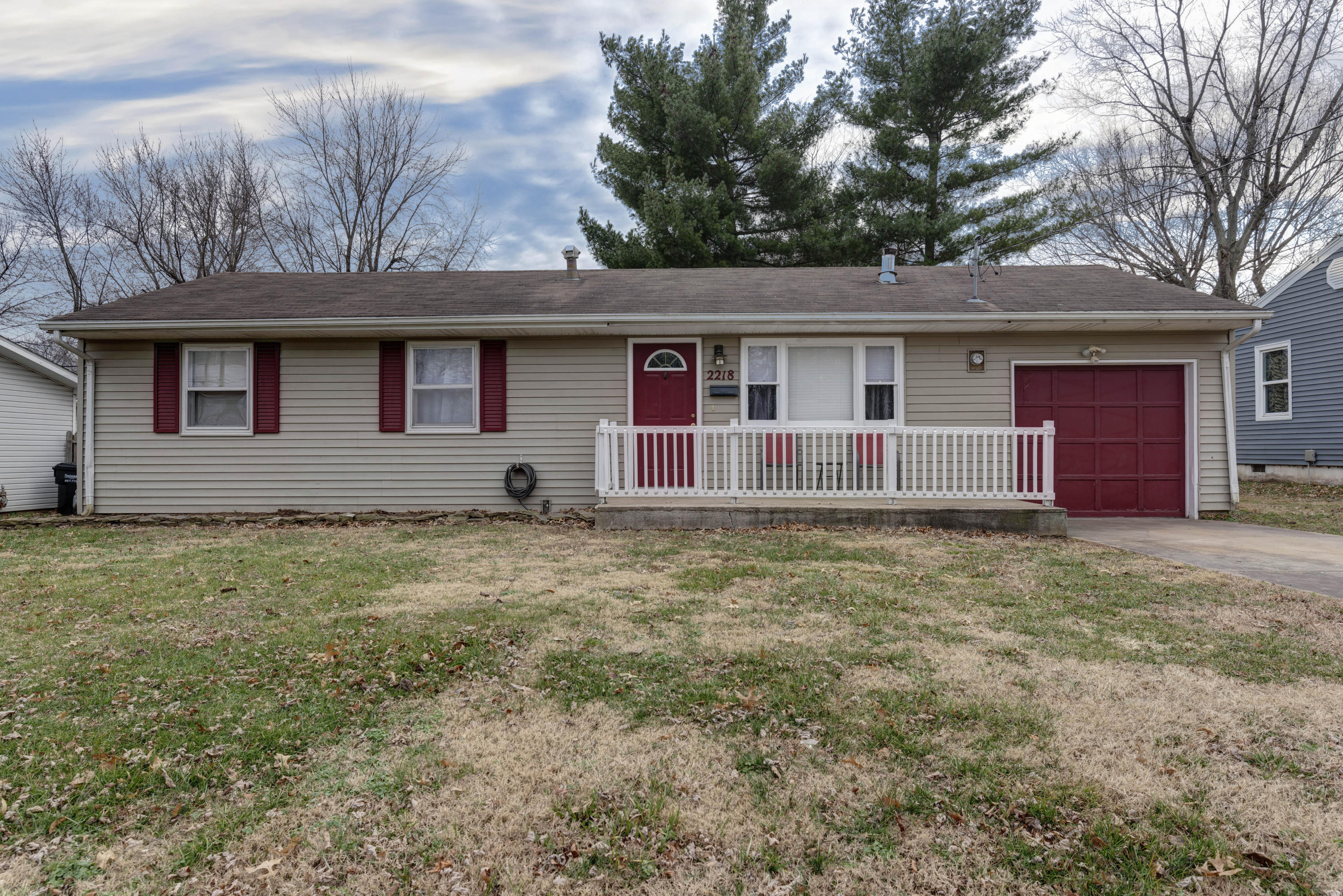 2218 West Madison Street Springfield, MO 65802