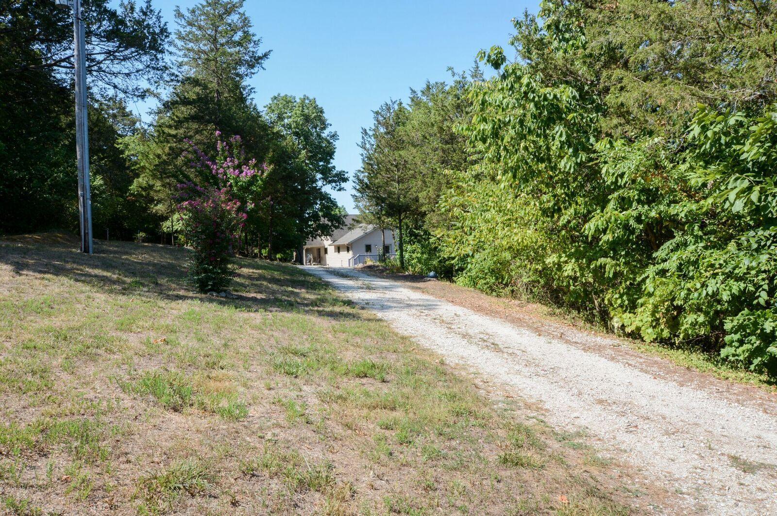 123 Windy Bluff Lane Galena, MO 65656