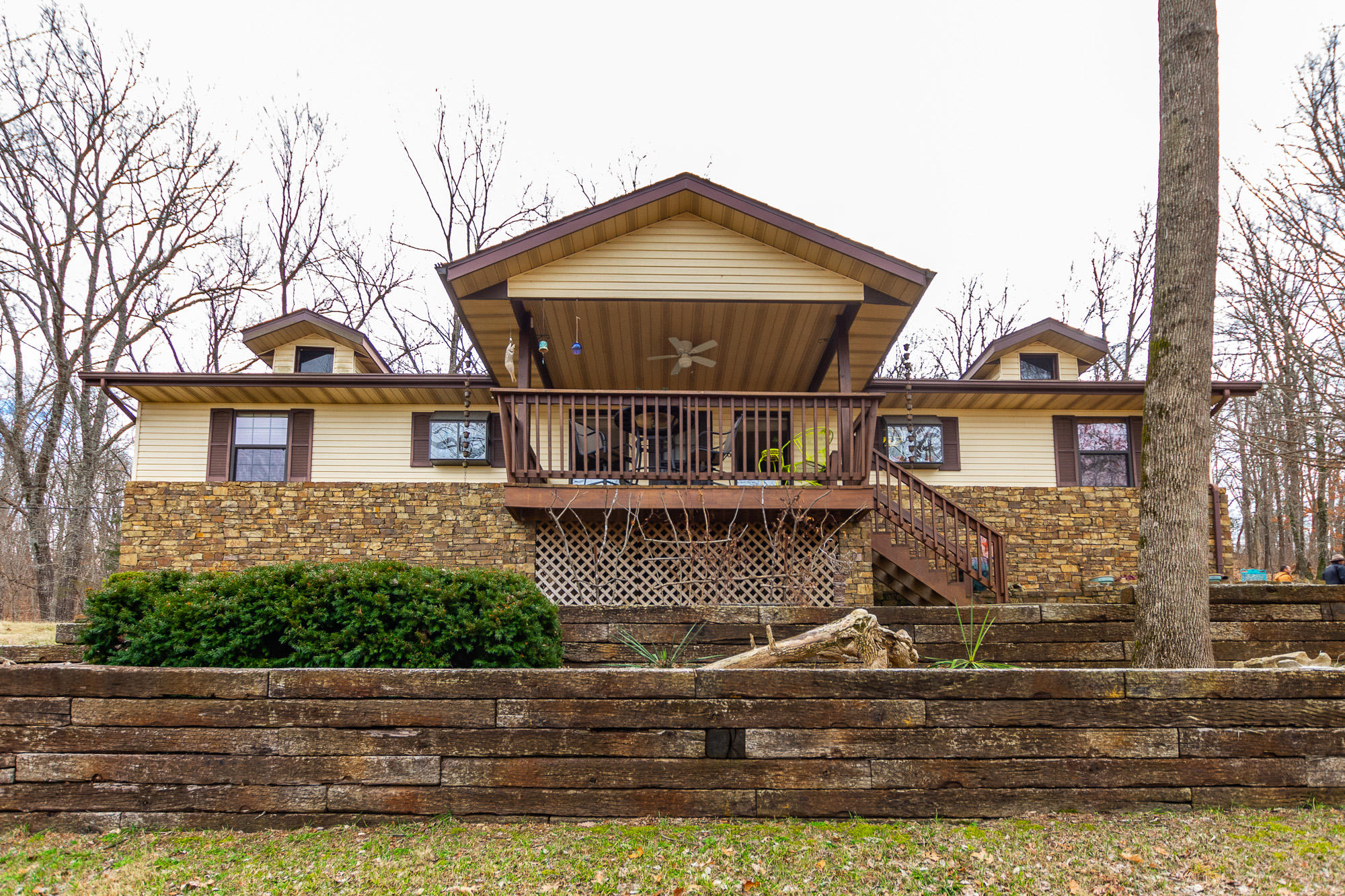 186 Peach Orchard Road Cape Fair, MO 65624