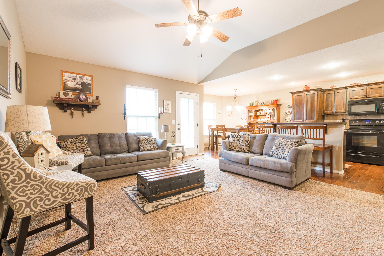 186 Deer Run Rogersville, MO 65742