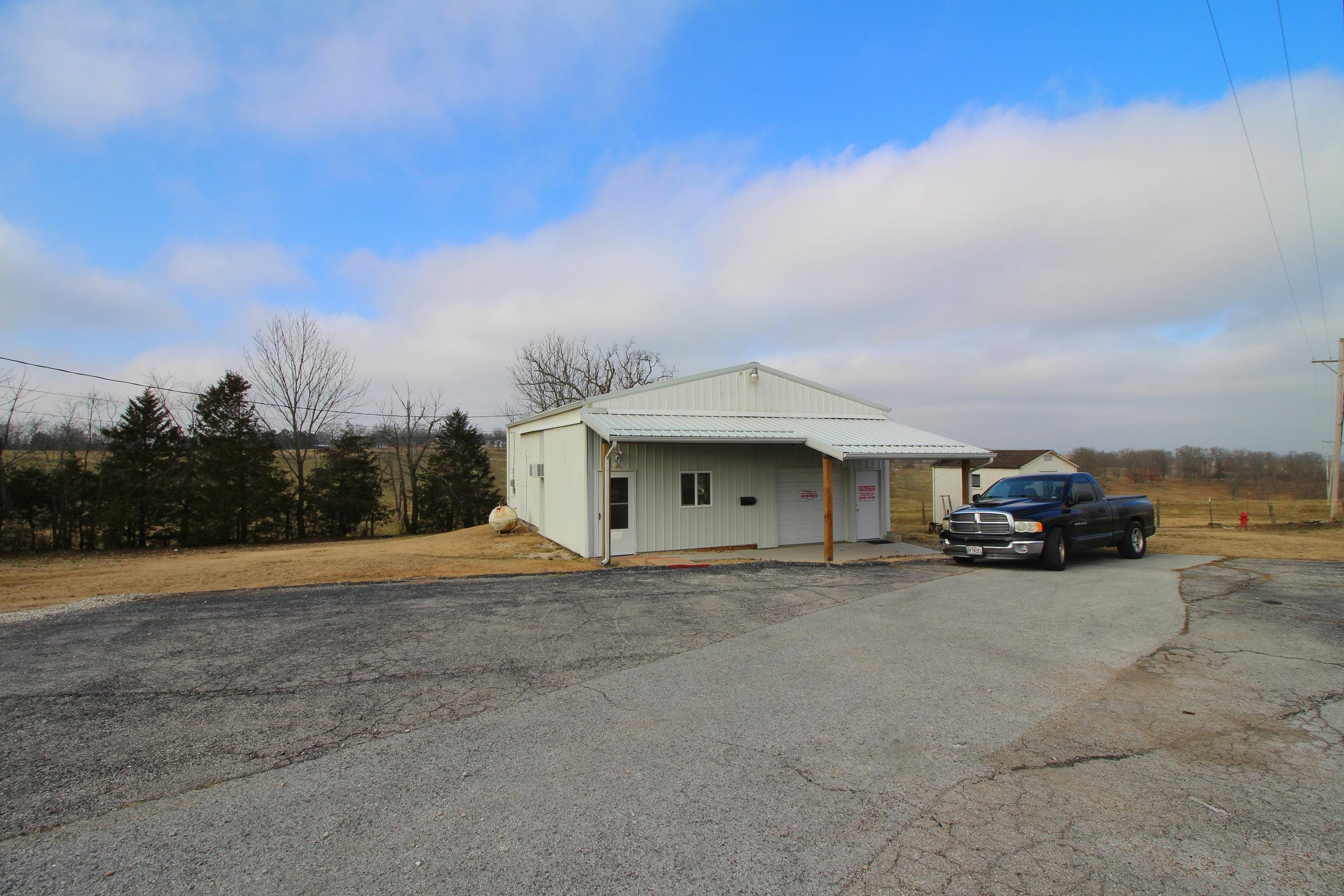 5715 East State Hwy 76 Kirbyville, MO 65679