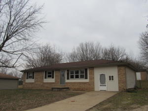126 North Elmwood Avenue, Republic, MO 65738