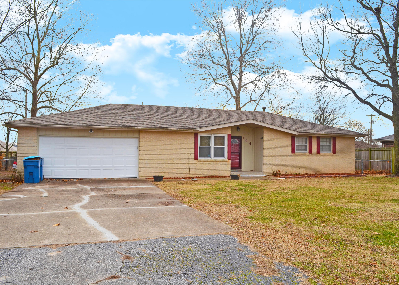 104 Ridgeview Drive Willard, MO 65781