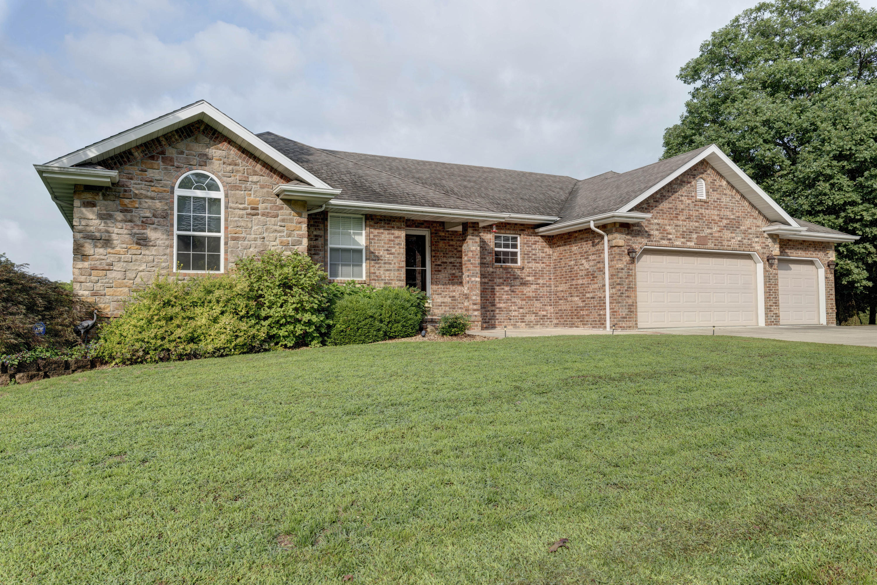 2366 South Alcey Way Nixa, MO 65714
