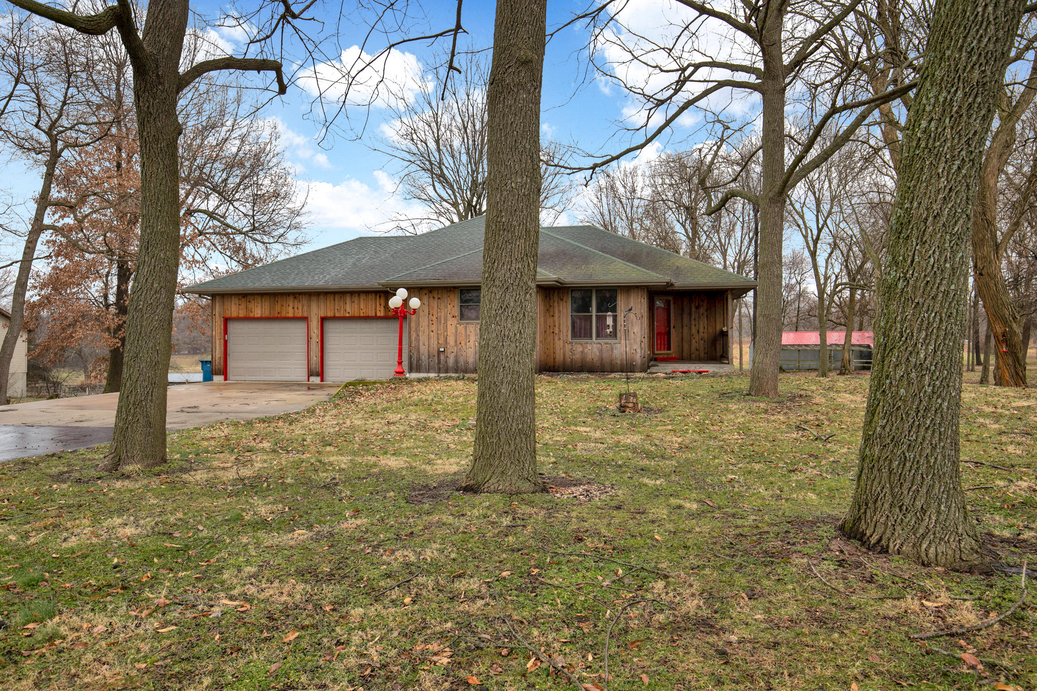 1484 South Farm Rd 87 Springfield, MO 65802