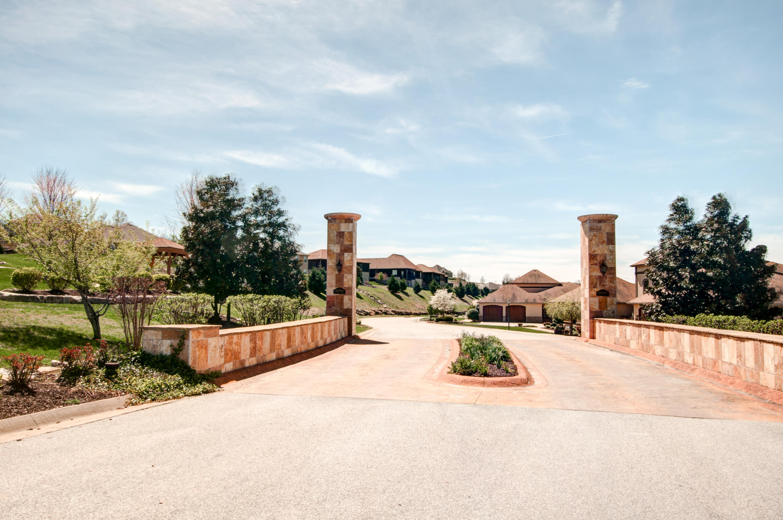 140 South Tuscany Drive #C Hollister, MO 65672