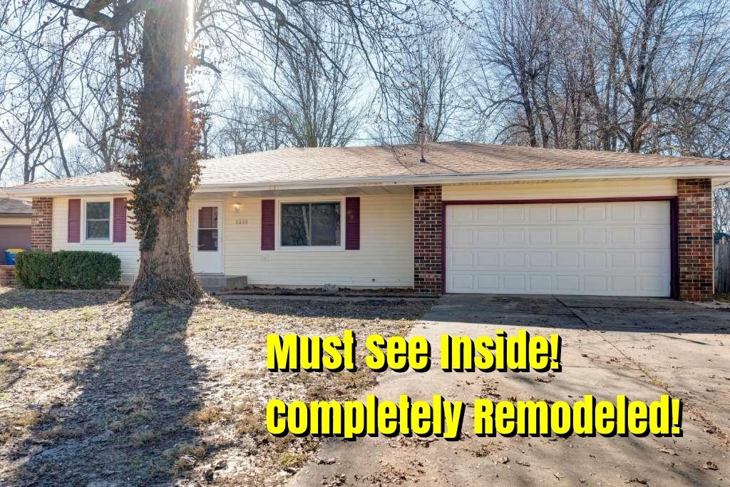 3240 West Camelot Court Springfield, MO 65807