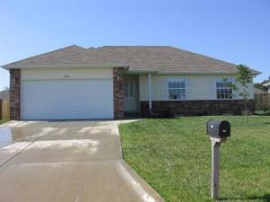 314 West Navajo Court Clever, MO 65631