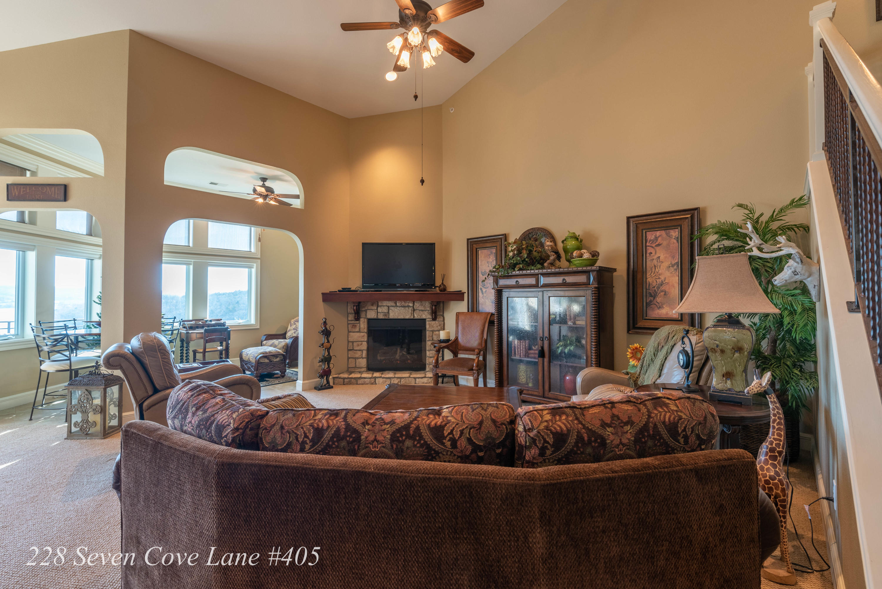 228 Seven Cove Lane #405 Kimberling City, MO 65686