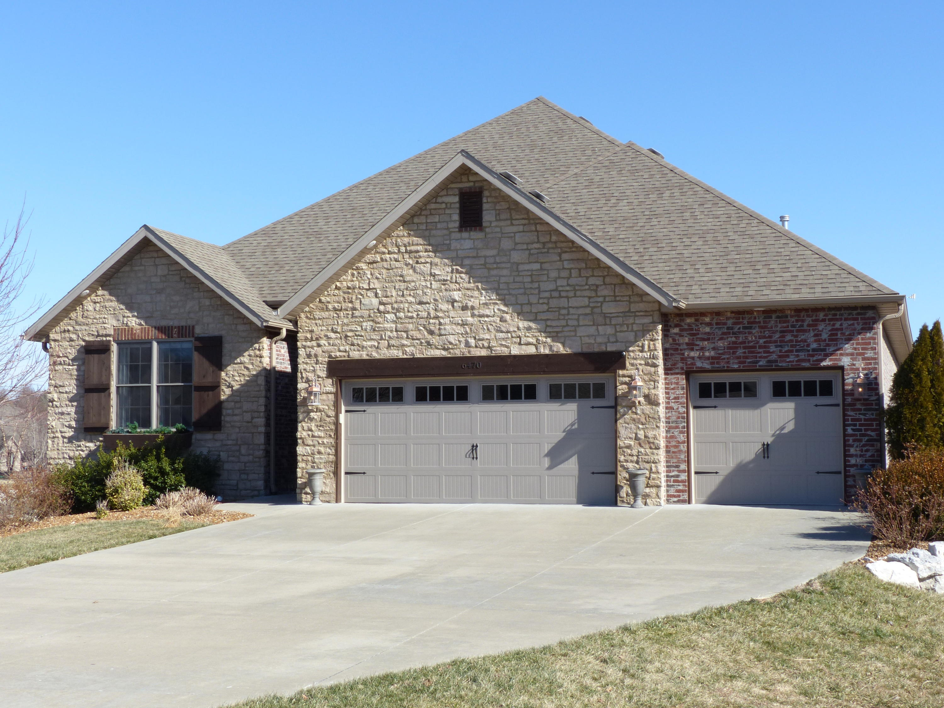6470 South Valley Brook Court Springfield, MO 65810