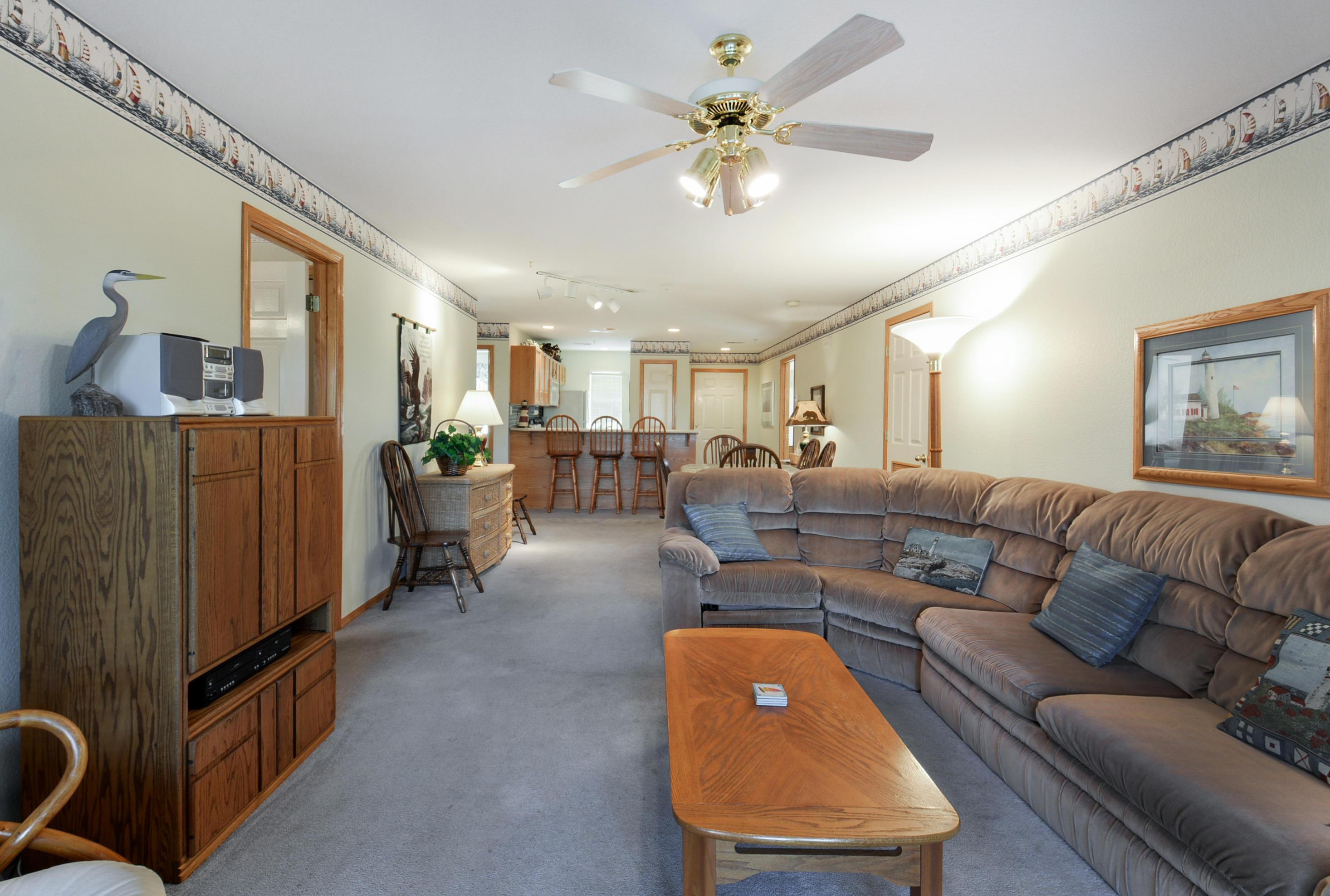 215 Lower Emerald Bay #6 Hollister, MO 65672