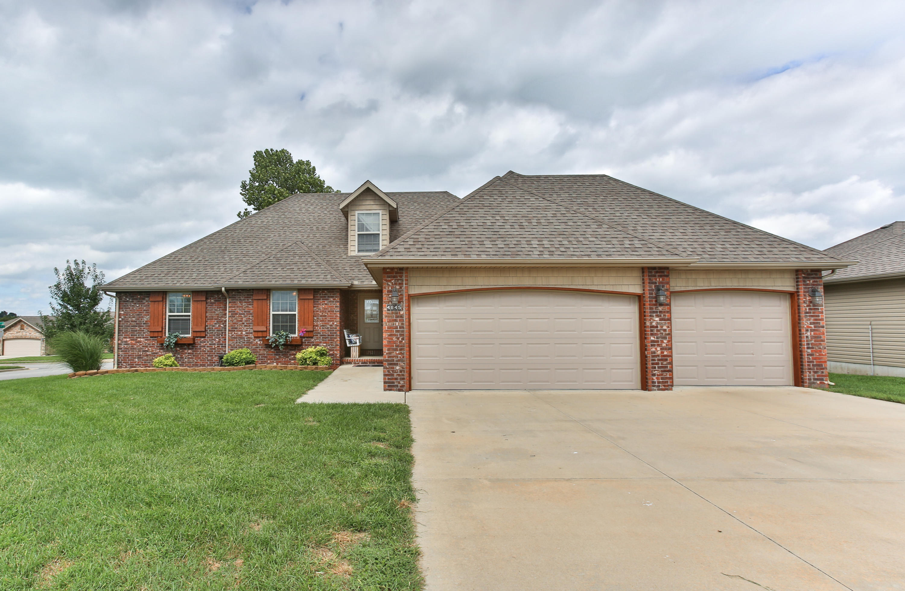 4845 West Shayla Court Springfield, MO 65802