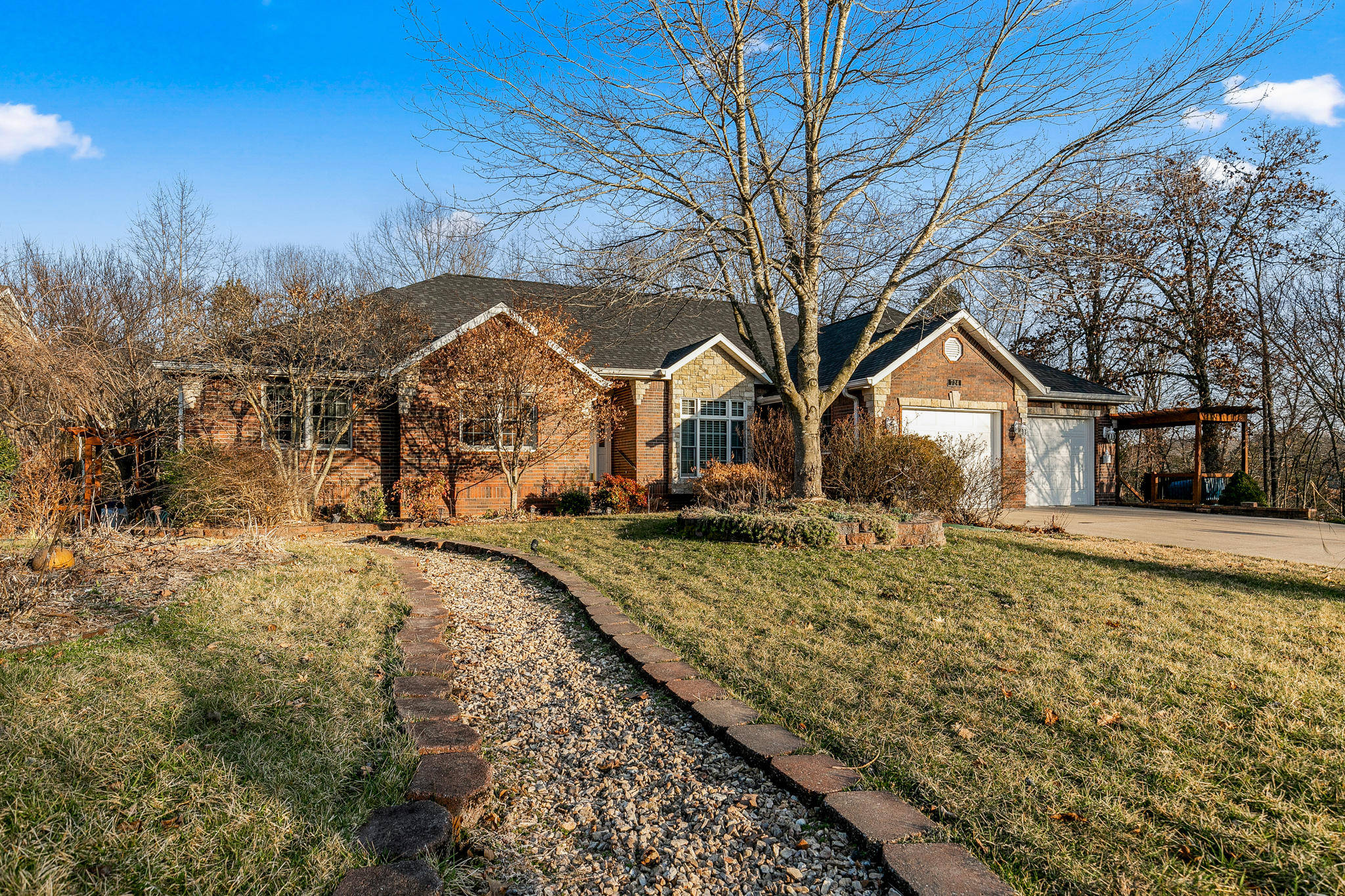 724 Edgewater Estates Kimberling City, MO 65686
