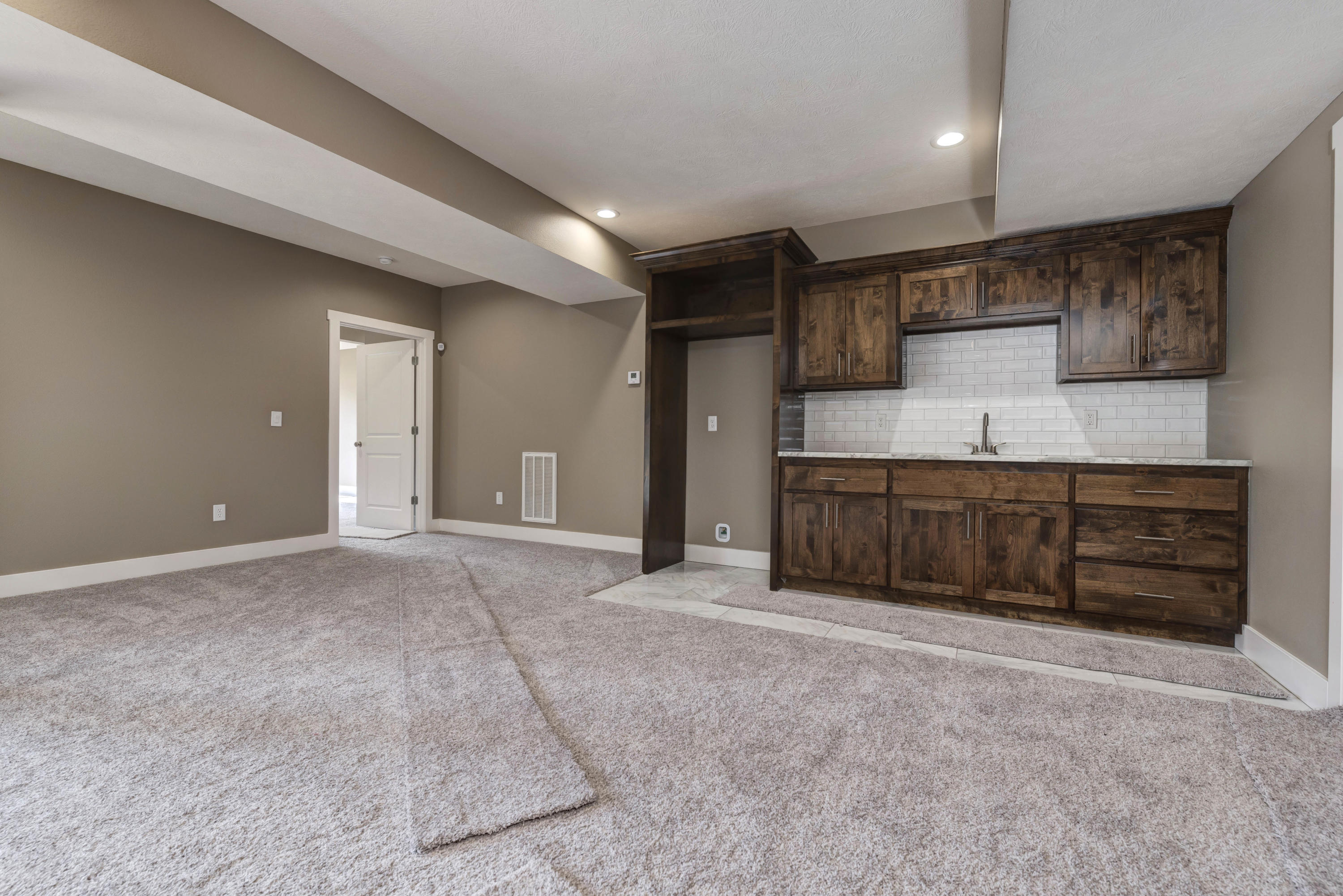 3730 East Cypress Point Springfield, MO 65809
