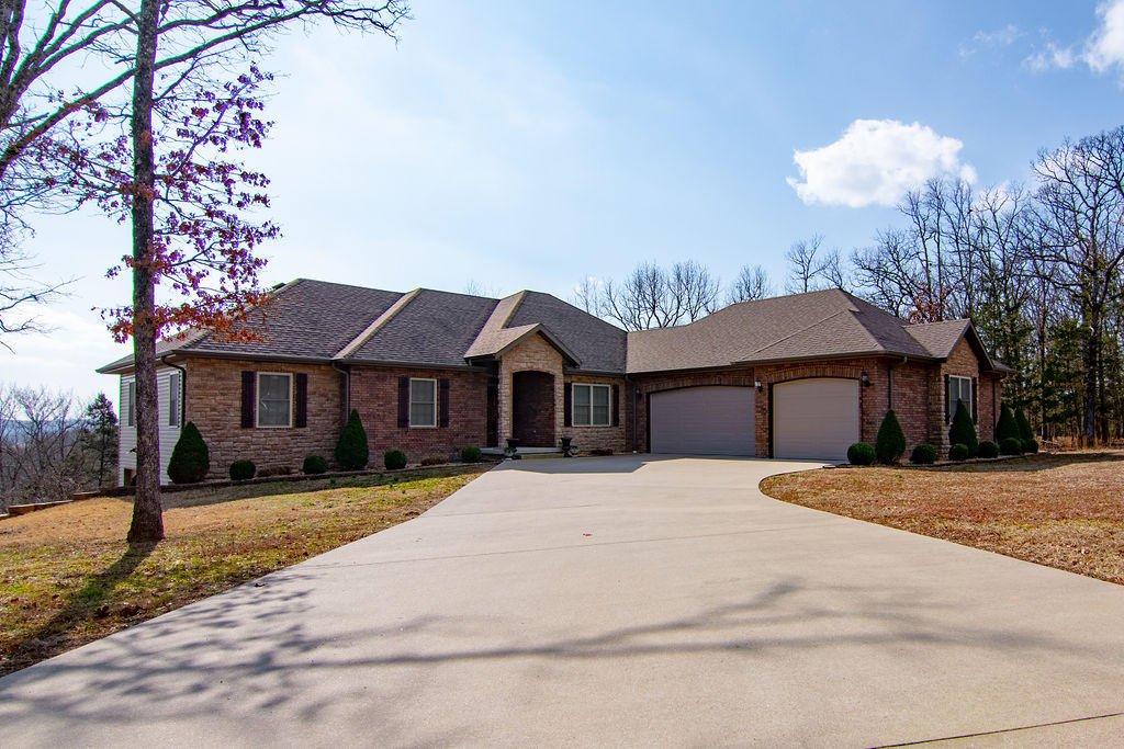 145 Plantation Road Forsyth, MO 65653