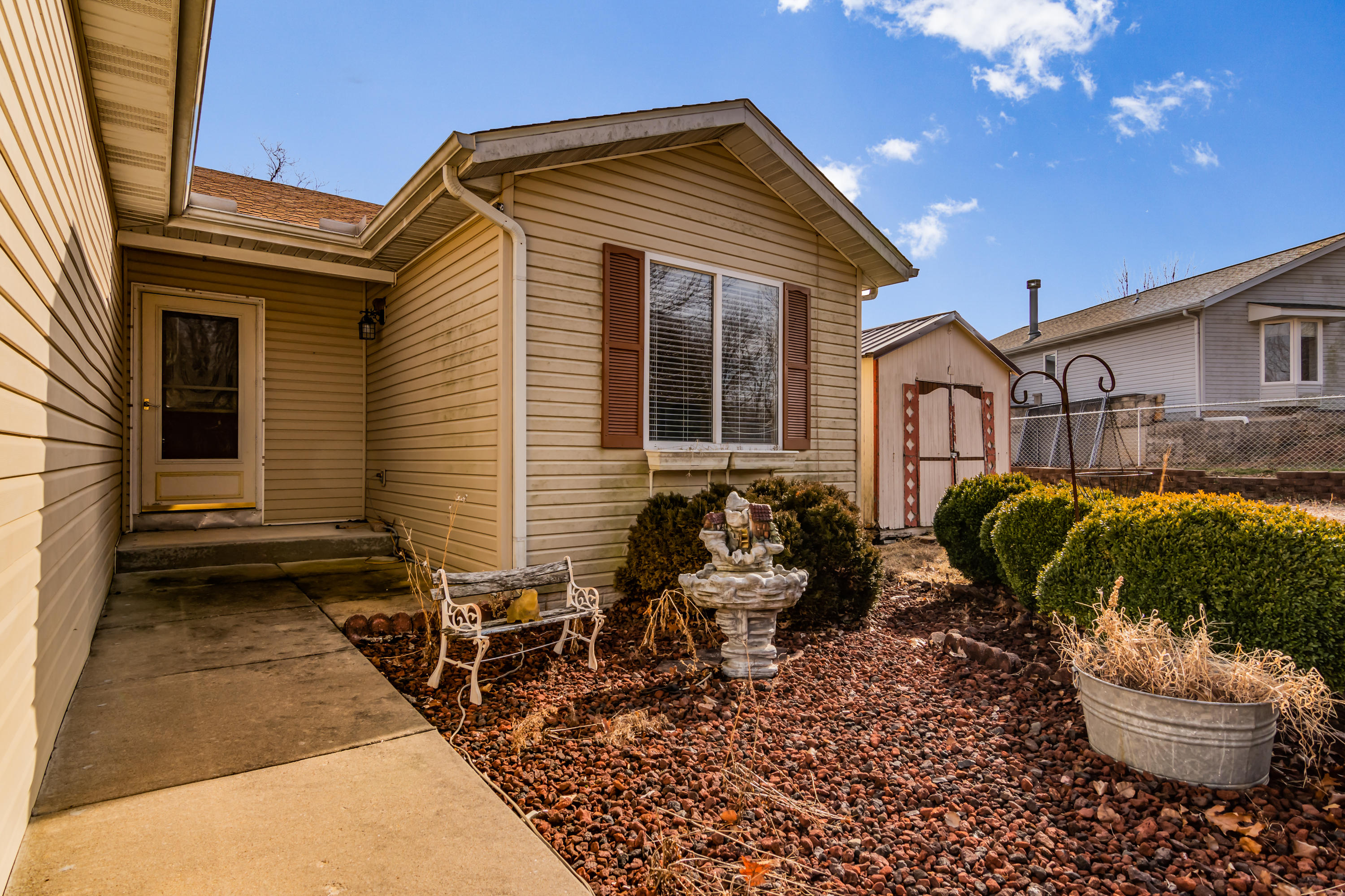 315 North Dogwood Place Branson West, MO 65737