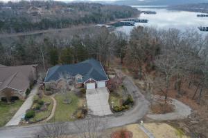 724 Edgewater Estates