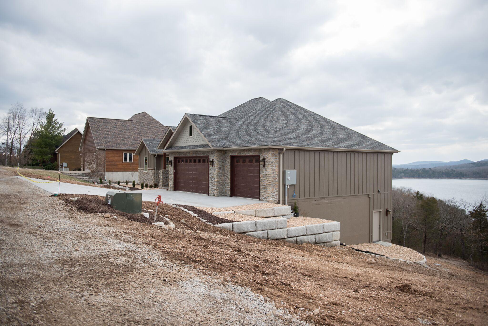 77 Eagle Terrace Drive Kimberling City, MO 65686