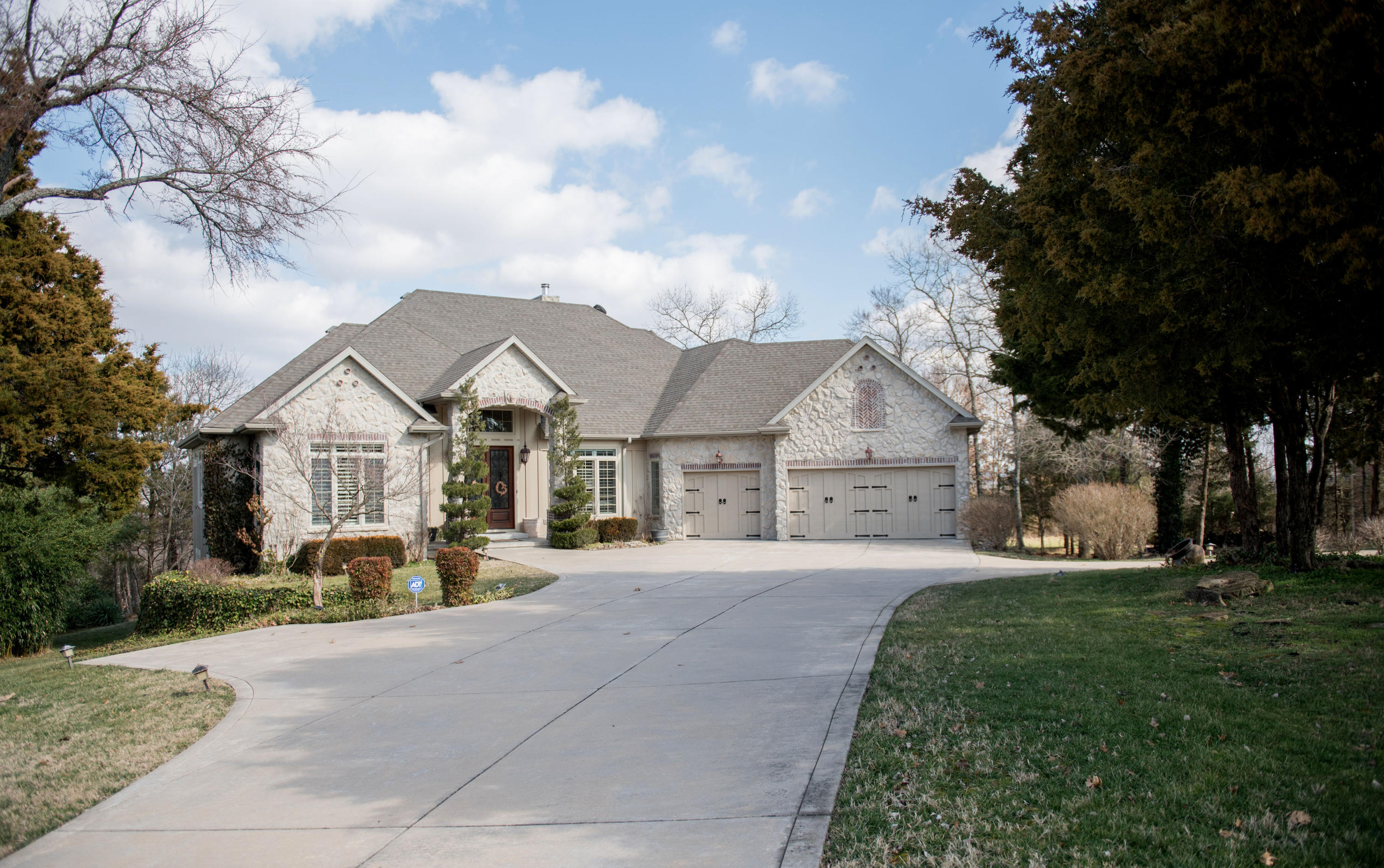 520 Silverwood Place Branson West, MO 65737