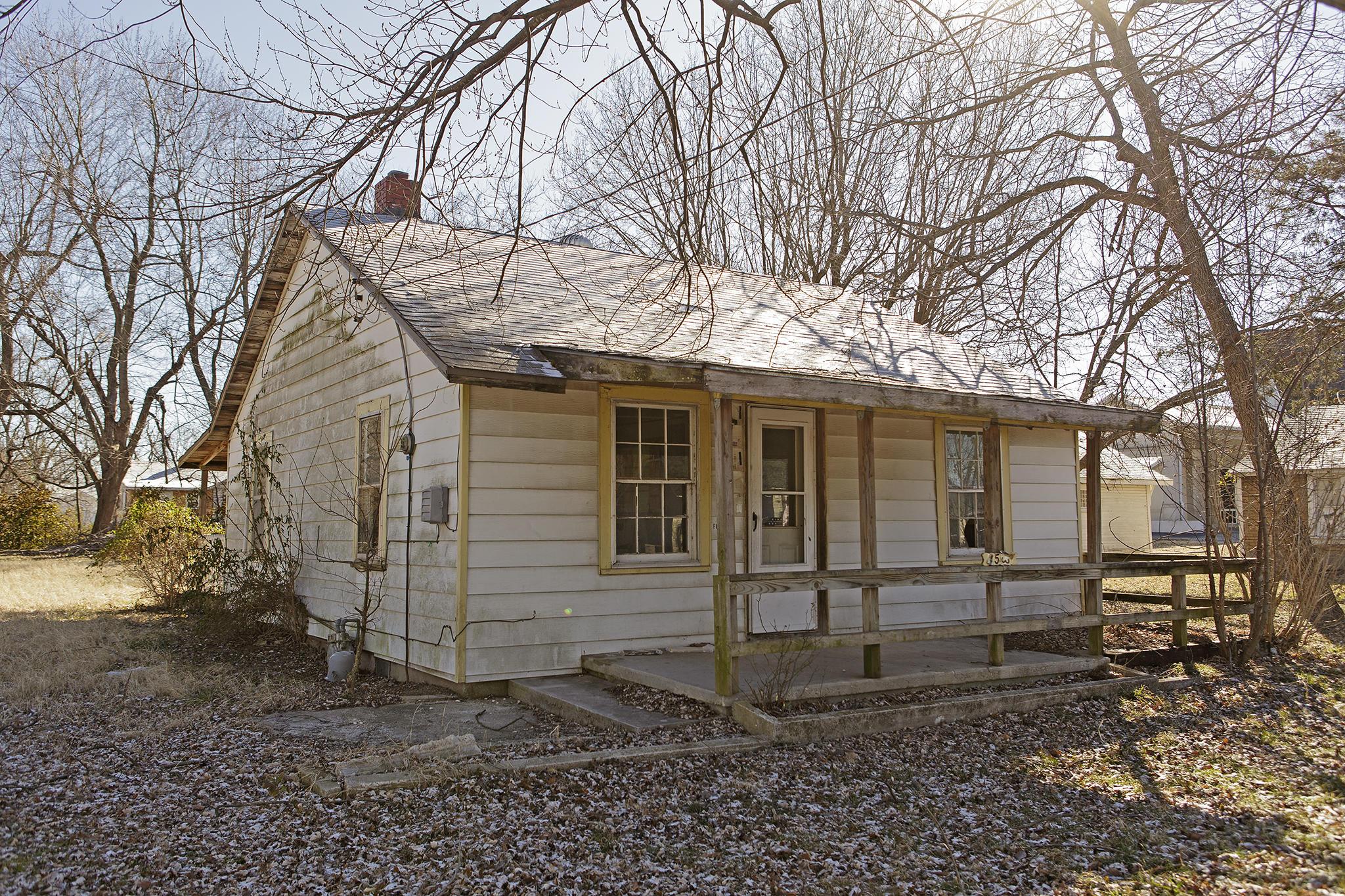 1530 North Colgate Avenue Springfield, MO 65802