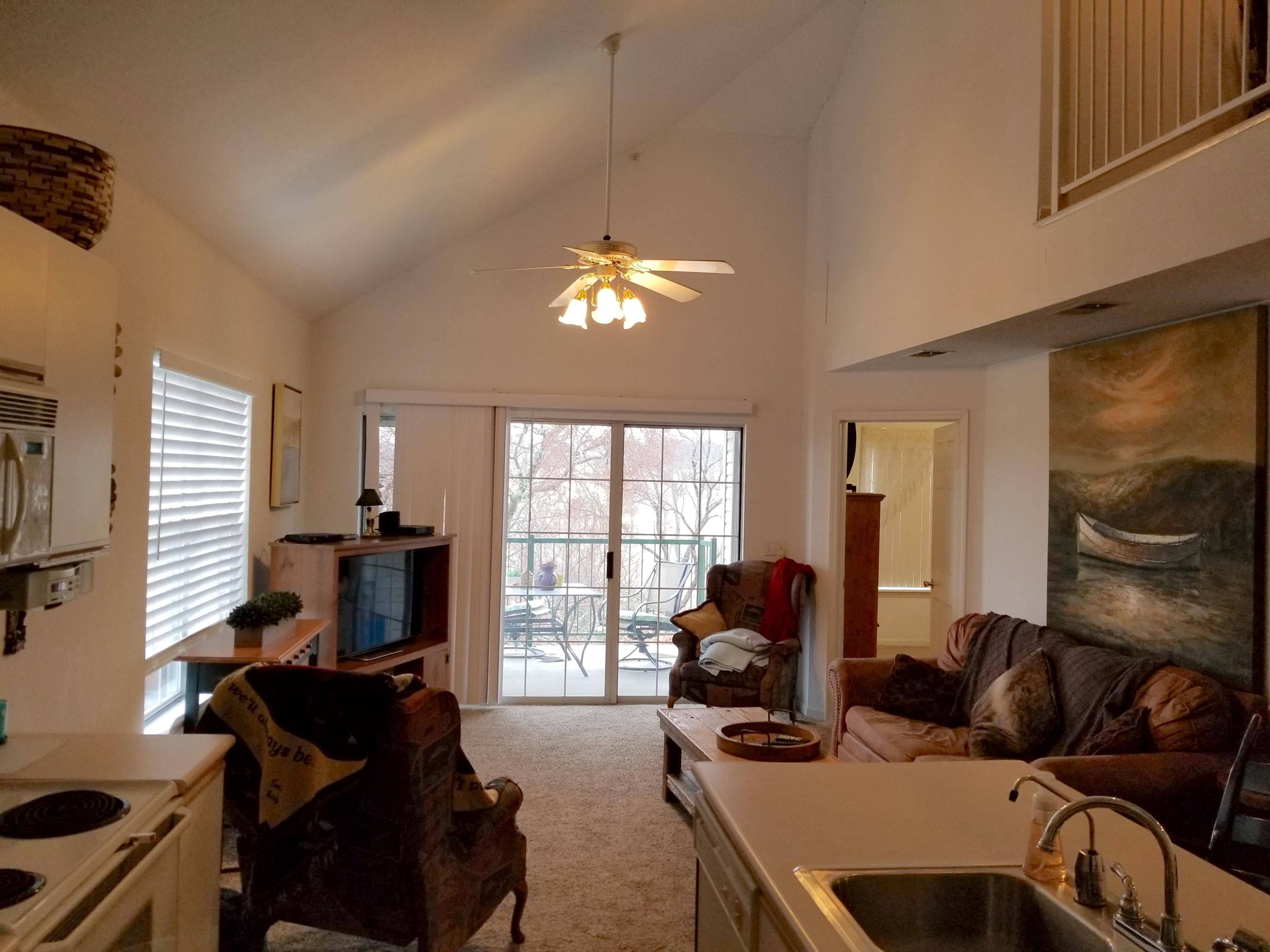 815 Holiday Ridge #9 Branson, MO 65616