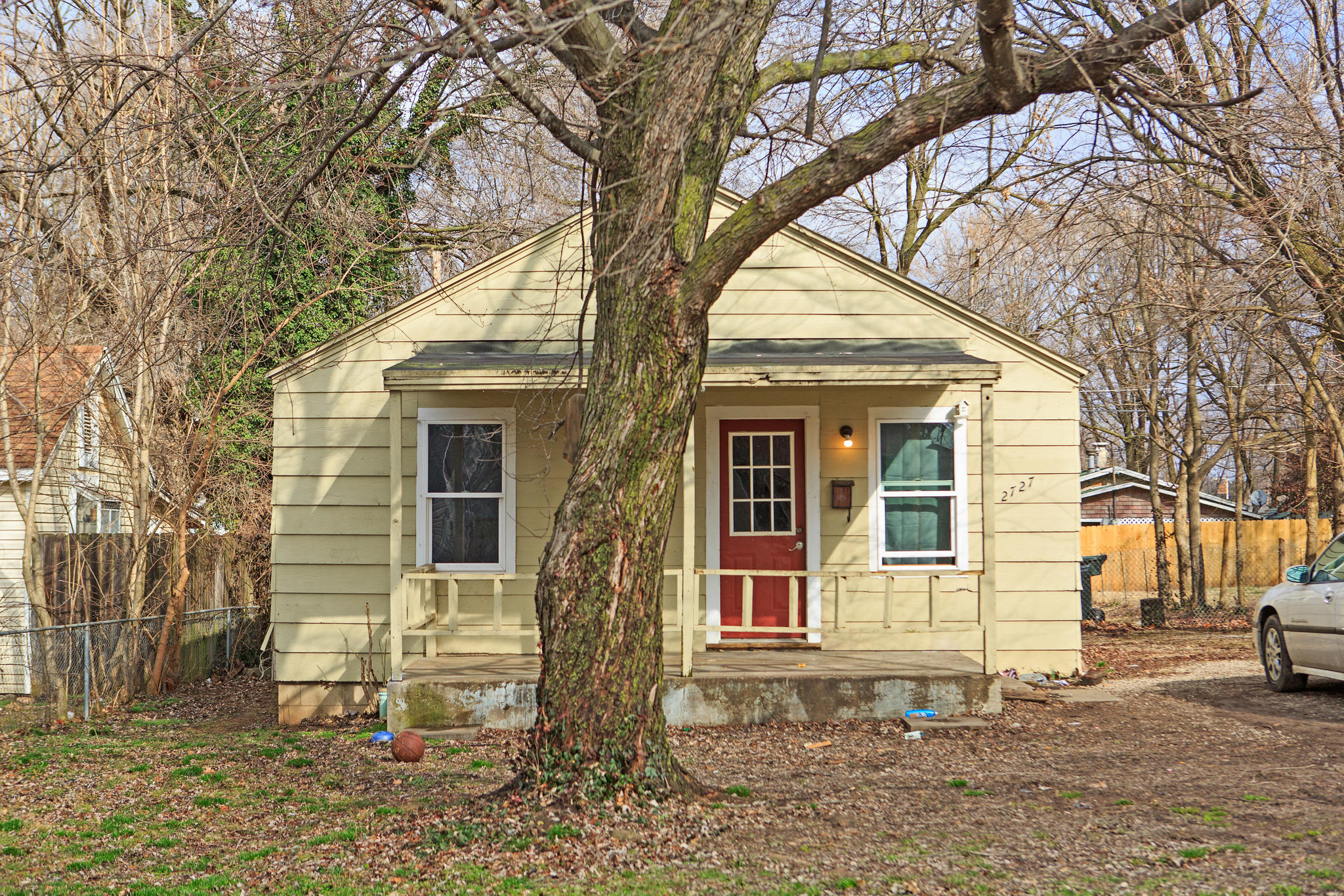 2727 West Lincoln Street Springfield, MO 65802