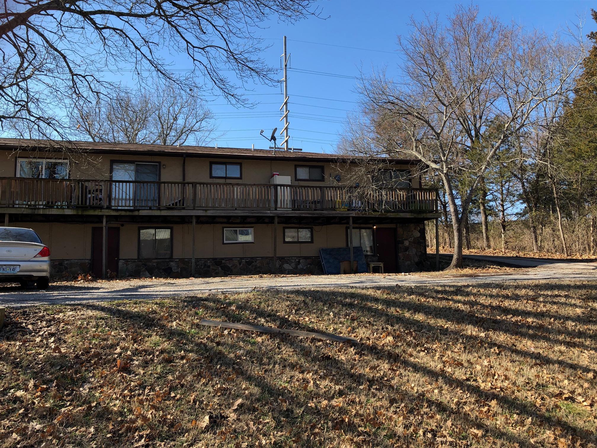 2438 Fall Creek Road Branson, MO 65616