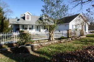 112 Oak Tree Acres Lane