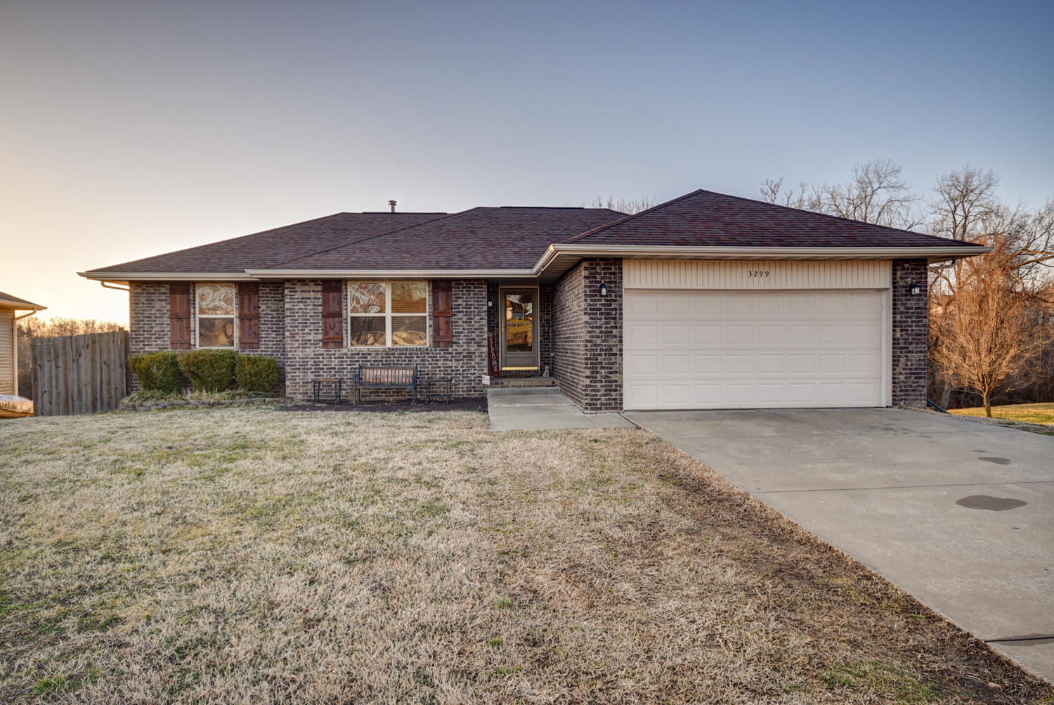 3299 South Valley View Drive Springfield, MO 65807