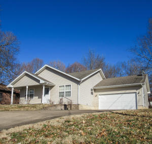 410 North Gordon Avenue, Ash Grove, MO 65604