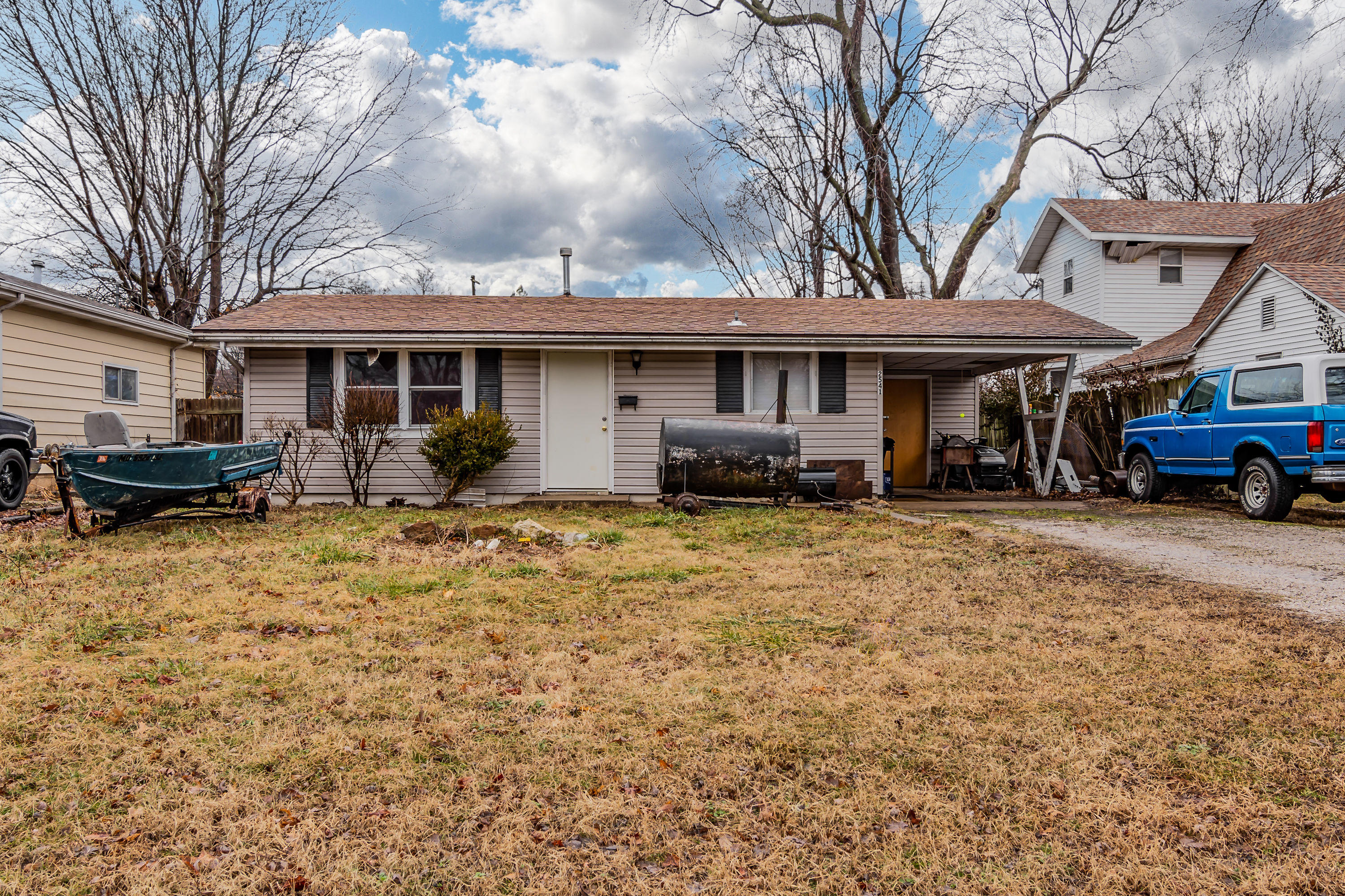 2541 West Madison Street Springfield, MO 65802