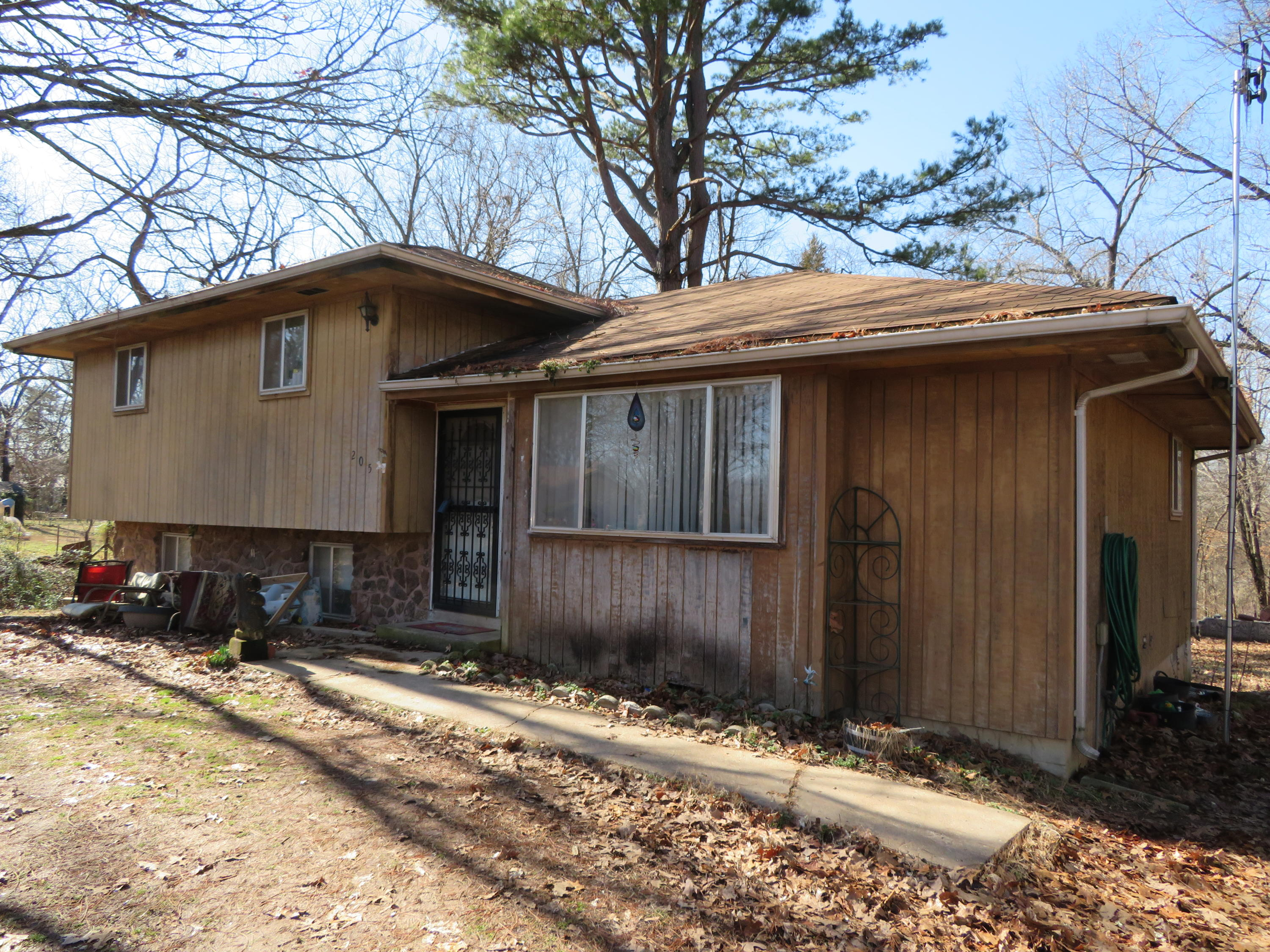 205 Charles Street Taneyville, MO 65759