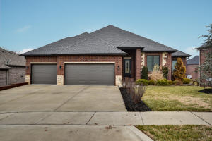 5985 Lakepoint Drive, Springfield, MO 65804
