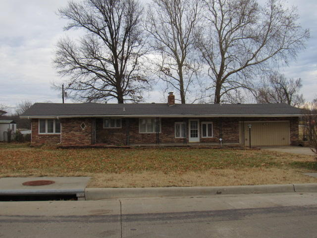 3935 West Dover Street Springfield, MO 65802