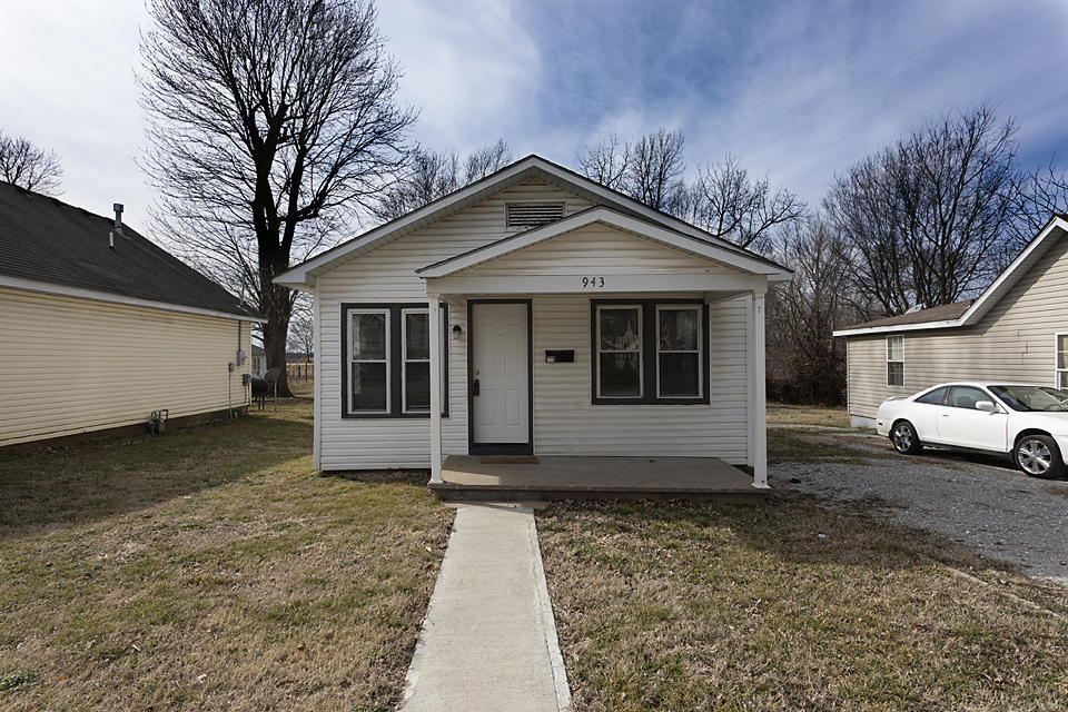 943 South Nettleton Avenue Springfield, MO 65806