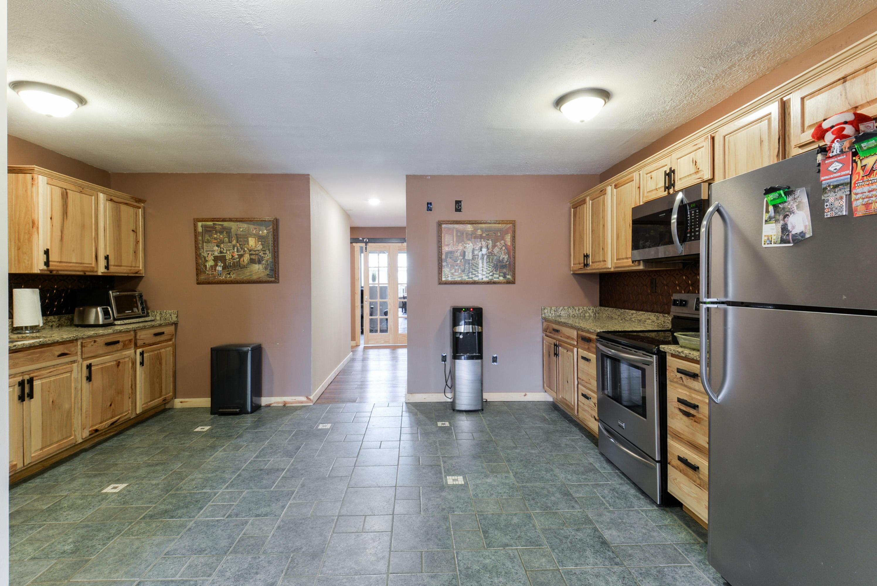 805 Ellingsworth Lane Highlandville, MO 65669