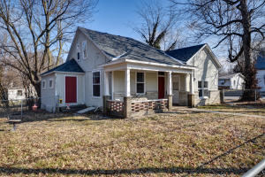 2103 North Taylor Avenue, Springfield, MO 65803