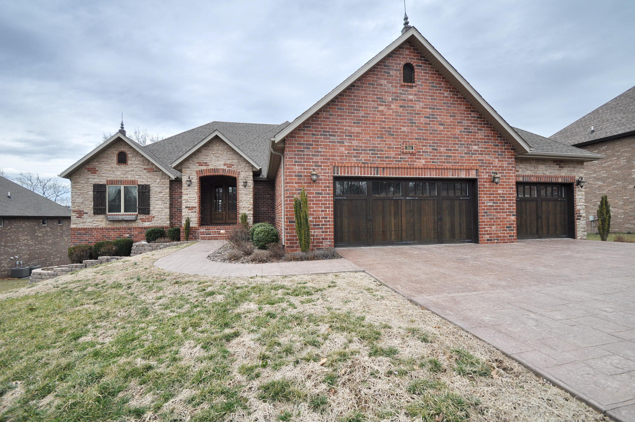 351 West Monarchwood Drive Nixa, MO 65714