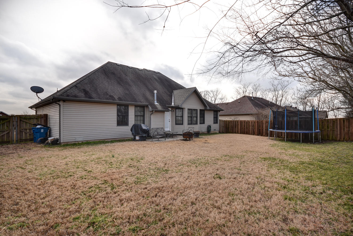 1349 West Kent Circle Nixa, MO 65714