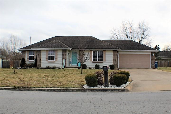 102 East Loyal Lane Clever, MO 65631