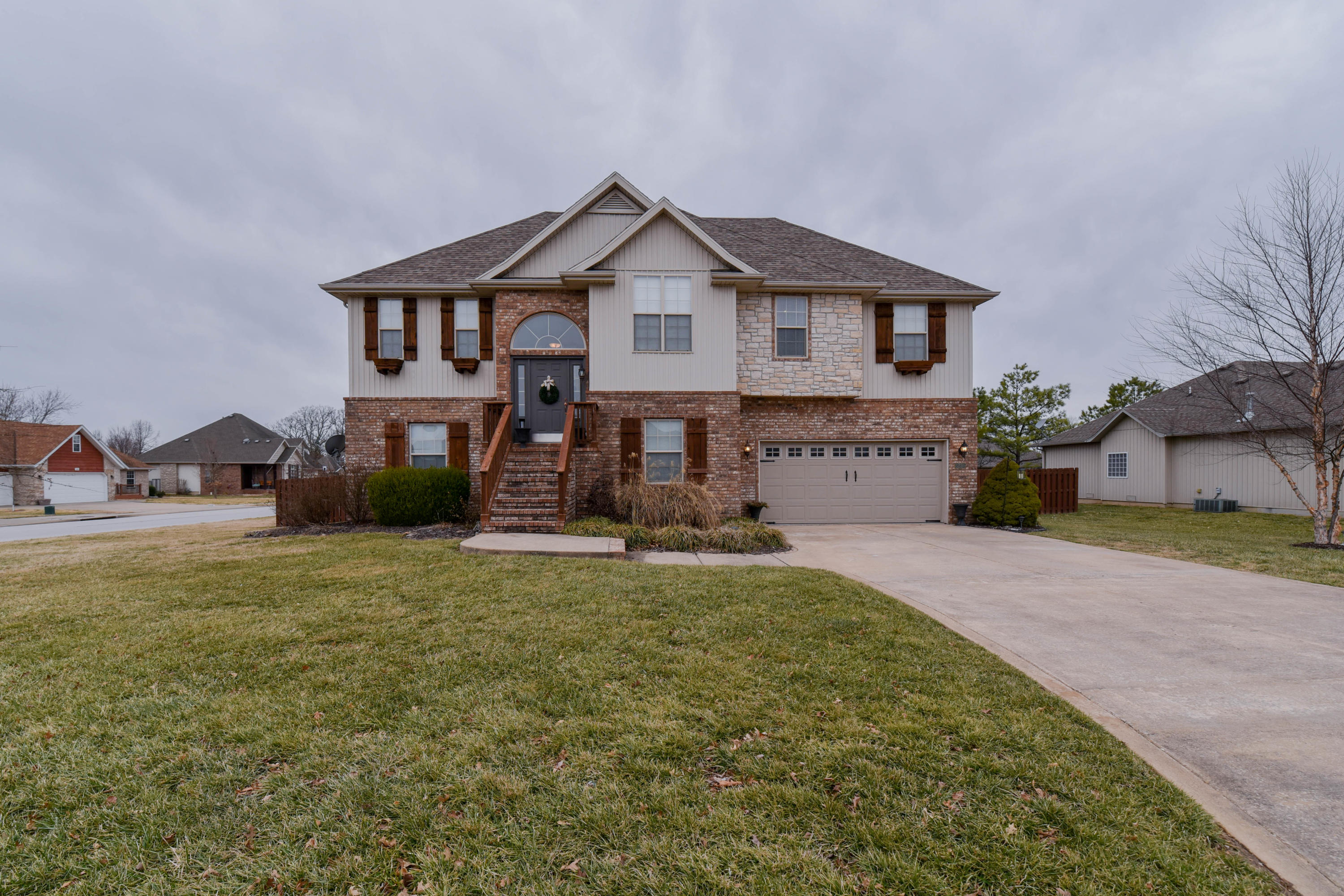 5205 North 11TH Avenue Ozark, MO 65721